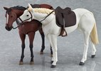 Figma Chestnut & White Horse Figures
