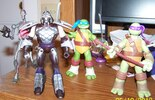 Nickelodeon TMNT In-Hand Figure Images