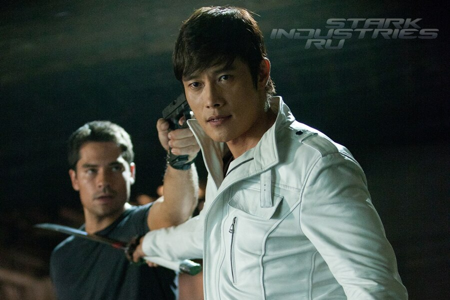 Flint (D.J. Cotrona) and Storm Shadow (Byung-hun Lee)