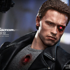 Hot Toys � MMS238 � The Terminator: 1/6th scale T-800 (Battle Damaged Version) Collectible Figure