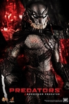 First look at the Berserker Predator Collectible Figure From Hot Toys