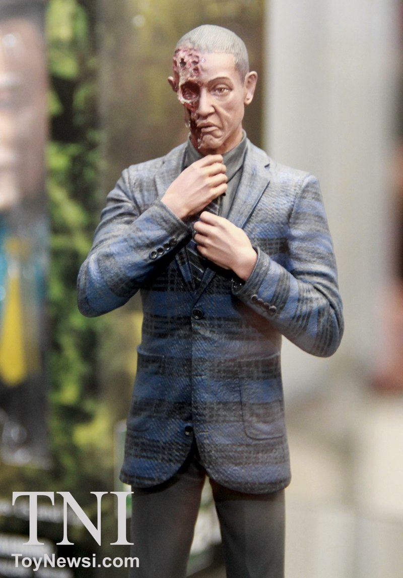 Breaking Bad 6 Burned Face Gus Fring Exclusive Figure