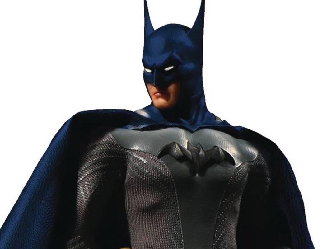 PX Previews Exclusive Mezco One:12 Collectif Batman ascendant Knight Blue Ver
