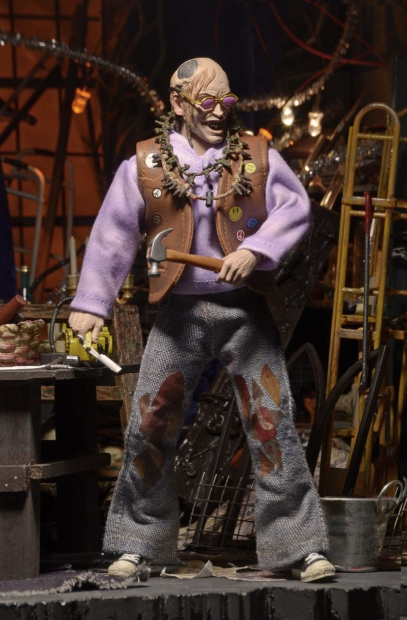"New Texas Chainsaw Massacre 2 Chop Top 8"" Clothed Figure Images"