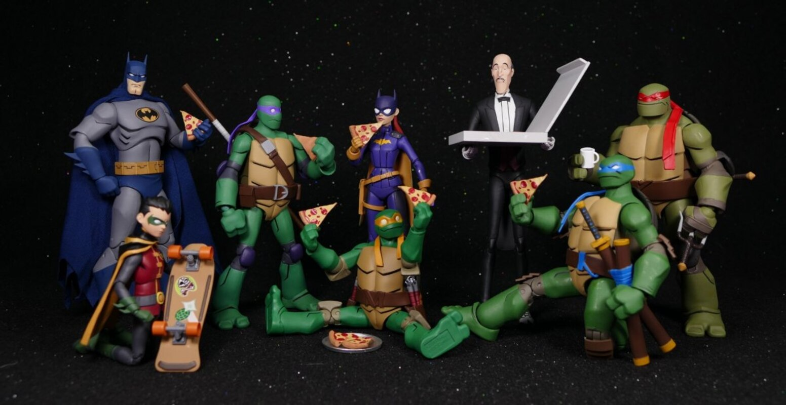 Batman Vs Tmnt Alfred And Michelangelo Action Figure 2 Pack Video Review And Images