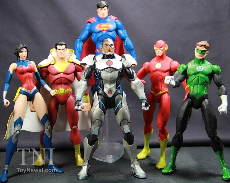 "DC Collectibles Justice League War 7"" Cyborg Figure Video ..."
