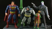 DC Collectibles Batman: The Dark Knight Returns Figure Box Set Video Review & Images