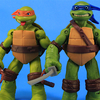 Tongue-Poppin' Mikey & Eye-Poppin' Leo Teenage Mutant Ninja Turtles Figures Video Review & Images