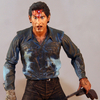 Evil Dead II: Dead by Dawn �Farewell To Arms� Ash Figure Review