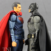 MAFEX Batman v Superman: Dawn Of Justice Batman & Superman Figures Video Review & Images