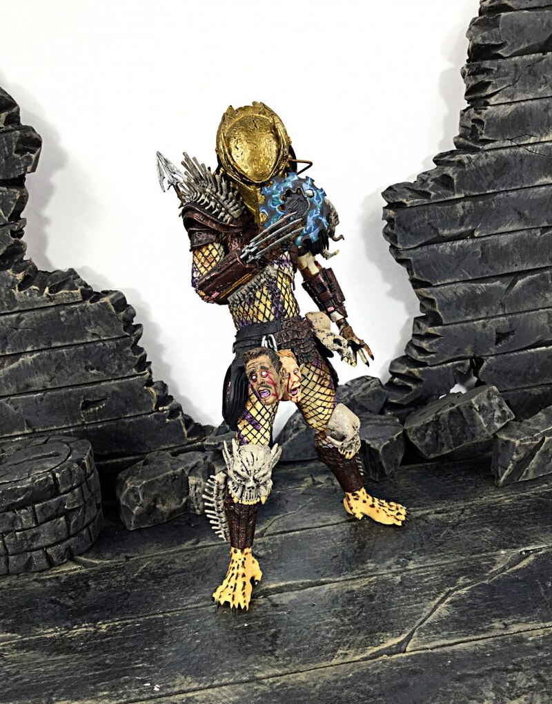 Predator Ultimate Bad Blood & Enforcer Two-Pack Figure Video