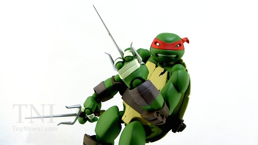 Revoltech Teenage Mutant Ninja Turtles Raphael Figure