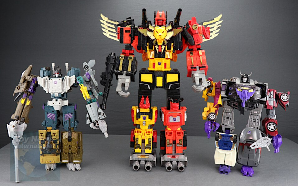 Transformers Power Of The Primes Predaking Boxset Overview & In-Hand Image Gallery