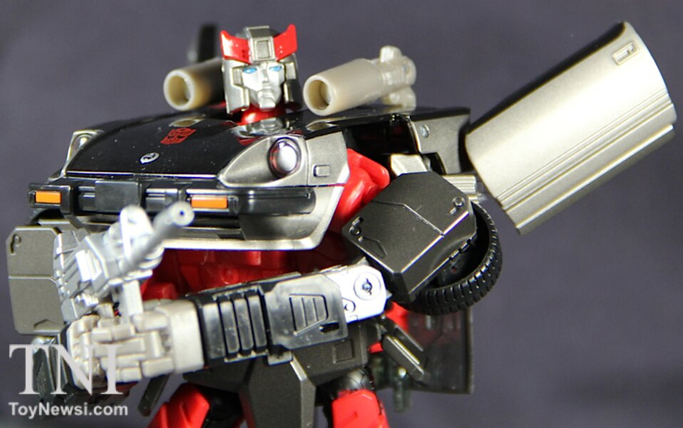 Transformers Masterpiece MP-18 Bluestreak Video Review & Images