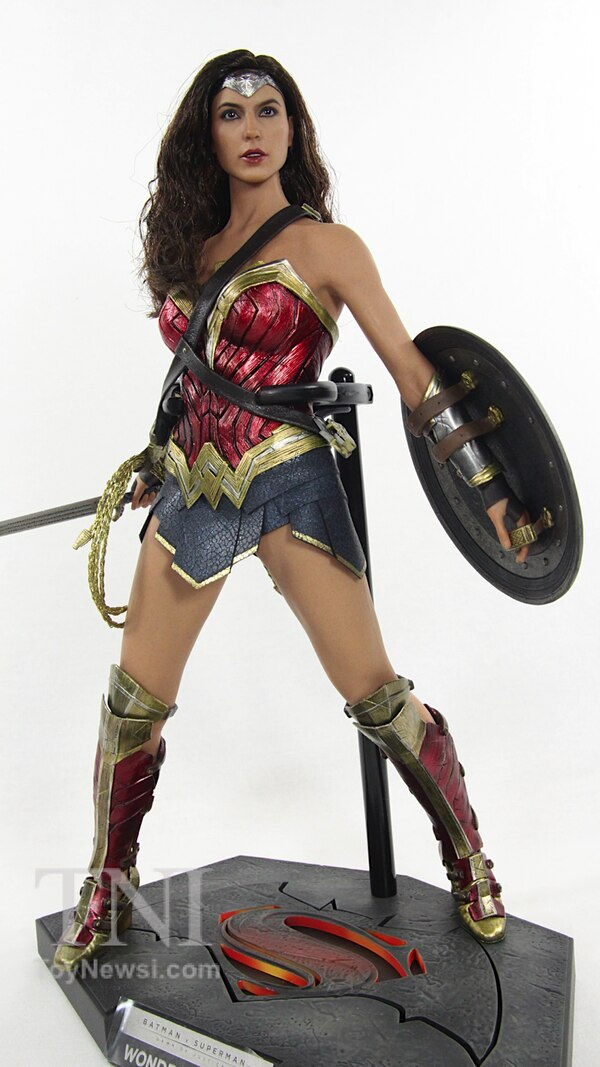 Dawn Of Justice Movie Hot Toys 16 Scale Wonder Woman Figure Video Review  Image Gallery-5383